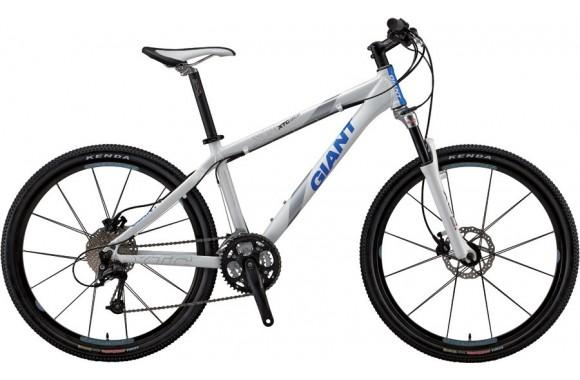 Горный велосипед Giant XtC SE 2 (2009)